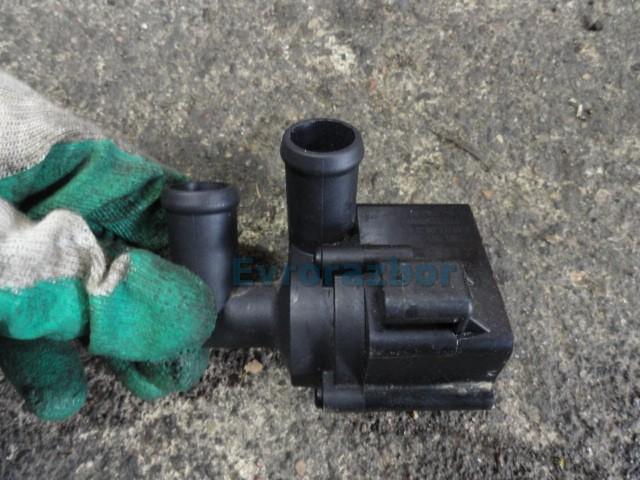 Дополнительный насос системы охлаждения фольксваген транспортер т5 снять с конвейера приору